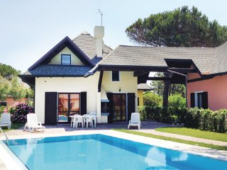 3 bedroom Villa in Albarella, Veneto Coast, Italy : ref 2377953