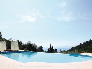 2 bedroom Villa in Garda, Lake Garda, Italy : ref 2377669