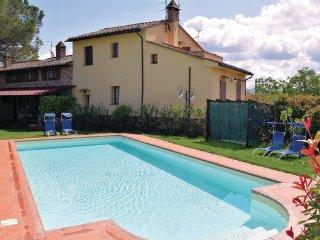 7 bedroom Villa in Castiglion del Lago, Lake Trasimeno, Italy : ref 2377898
