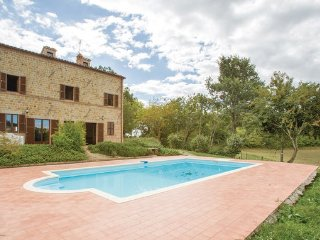 5 bedroom Villa in Macerata - Penna S.Giovanni, Marches Countryside, Italy, Penna San Giovanni