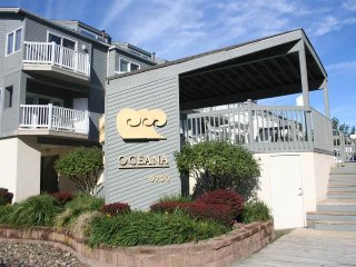 Diamond Beach, NJ  3 Bedroom/2.5 Bath Townhouse with Pool and Ocean Views, Lower Township