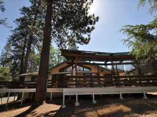 """Casa Sol"" WIFI CentralA/C Sleeps7 MaxOccup10 Near Yosemite"