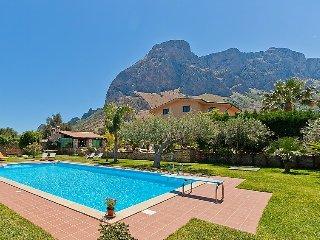 5 bedroom Villa in Cinisi, Sicily, Italy : ref 2379585