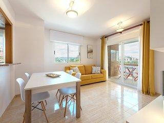 Primera linea de Playa, 3 habitaciones dobles, garaje, piscina, Vistamar