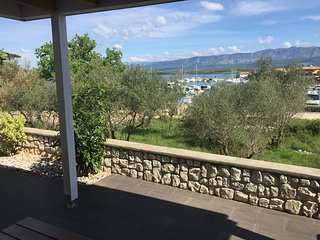 New Unique Seaview Apartment just 50m from the Seaside in Klimno, island Krk
