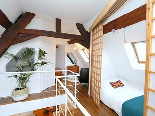 Folk Loft! Bright 120sqm Duplex in the heart of the old town, 3 Bedrooms