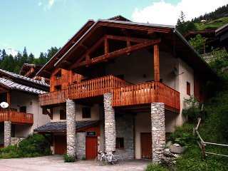 17 person chalet with hot tub and sauna in Tignes les Brevieres - Isabella