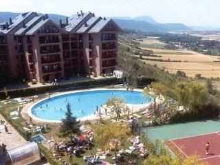 Alquiler de apartamento con piscina comun en jaca