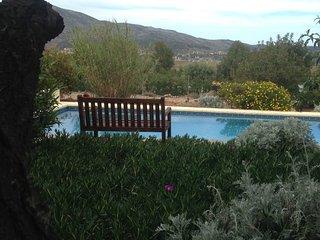 Finca Villa Llíber - geniiet van rust en ruimte bij het zwembad