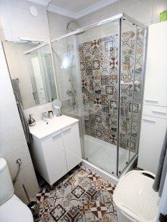 Lavabo y armario