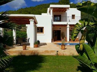 VILLA MORNA: Free Wifi, private pool and mountain view