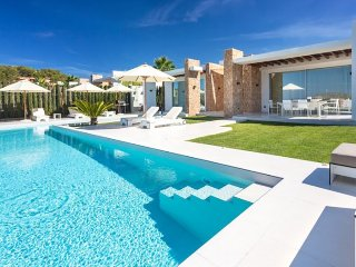 SA PEDRERA: Beautiful luxury villa overlooking the beaches of Comte.
