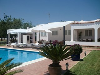 Country house with large pool and beautiful gardens in the north of Ibiza., Sant Joan de Labritja