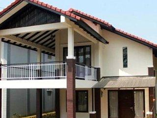Villa Daisy At Villa Istana Bunga Parongpong