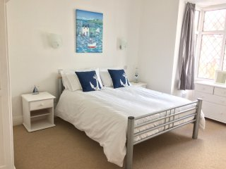 Bournemouth Beach House sleeps up to 18 guests, walking distance to the beach