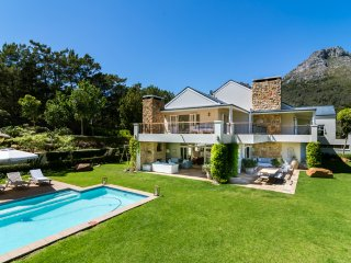 Luxurious Hout Bay home, cottage also available