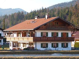 FEWO SERVICE MAYR      Alpenwelt Karwendel - Arnspitze - Wallgau
