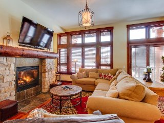 Dog-friendly rental with a shared hot tub and close to slopes!