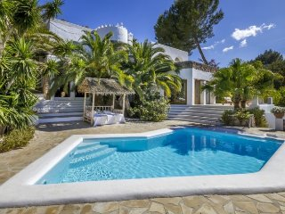 CAN PINTAT: Large Ibiza style villa located in the municipality of Santa