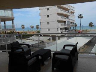 Ref 196- Bonito apartamento con gran terraza, pkg, piscina y cerca de la playa, Peñíscola