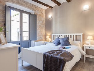 Sleep & Stay- Beautiful restored apt Bonaventura 4, Girona