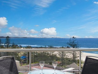 Ocean Plaza Unit 830 - Coolangatta beachfront