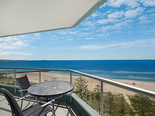 Ocean Plaza Unit 1469 - Beachfront in Central Coolangatta