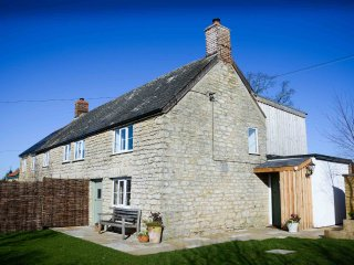 Pretty period cottage in Broadoak near Bridport, Dorset