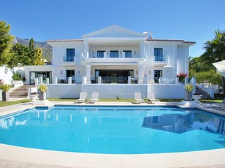 7 Bedrooms Luxury villa Safa in Sierra Blanca Marbella