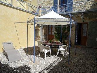 Superbe appartement au rez-de-chaussée avec terrasse plein sud, Castellane
