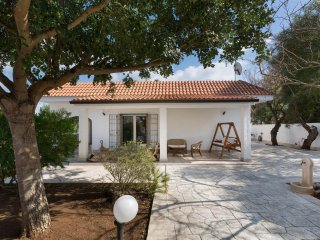 833 Villa Just a Few Meters Away from the Beach, Porto Cesareo
