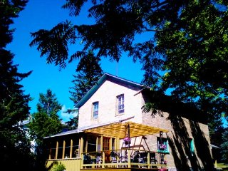 Historic 6 bedroom Cottage by the water falls.  Sleeps 17