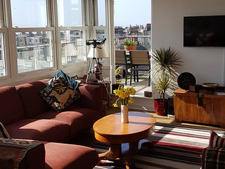 Seaview Penthouse. 2 b/rm, 2 bathroom with private roof terraces, Brighton