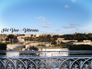 Vittoriosa 2 bedroom house with breathtaking views