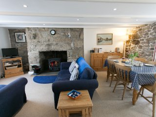 Lisheen: Traditional Cottage in the Centre of Mousehole