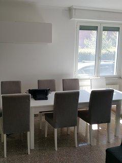Zona Pranzo con tavolo Allungabile