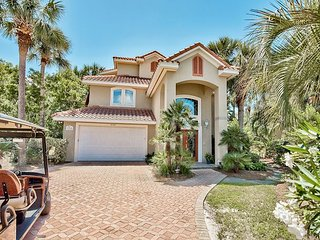 FREE Golf Cart + VIP Perks! Gorgeous GULF VIEW Beach Home w/ Hot Tub