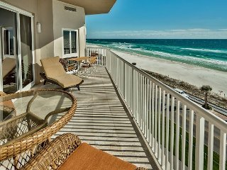 GULF VIEW 3 Bdrm Beach Condo *Seascape Resort! Pool/Hotub +FREE VIP Perks!!!!