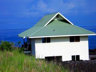 Waterfront View Hula Hut-Spa Tub-Whales-Quiet Getaway