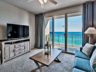 Amazing Emerald Gulf Views from your Private Balcony on the 10th Floor!