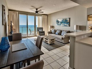 Breathtaking Full Gulf Views from this 2 Bedroom! Pool, Hot Tub, and More!