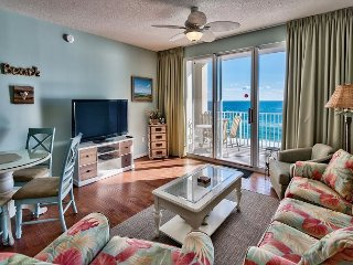 Enjoy Full Views of the Gulf of Mexico from your 8th floor Private Balcony!