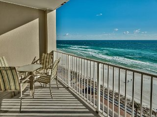 20% OFF MARCH 1-9: Breathtaking GULF VIEW Beach Condo *Resort w/ Pool/Hot Tub