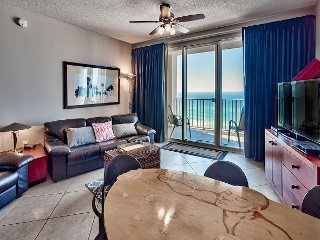 Breathtaking Views, Private Balcony, & Room For Six Guests! Book Today!