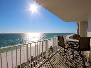 Beautiful Views of the Gulf of Mexico From a Private Balcony! Reserve today!, Miramar Beach