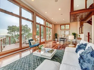Napa Valley Views! Luxe, Modern 3BR Home