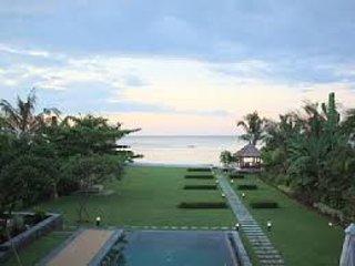 4 bedroom Beach Villa Niyati, for a luxury holiday, Kalisada, Bali, Indonesien