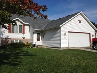 Four bedroom, 2 bath on quiet cul-de-sac, Owatonna