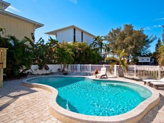 Bradley's Beach House: 4BR Pool Home Steps From Beach