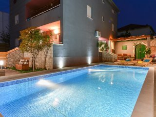 Villa Sima- luxury apartment with private pool